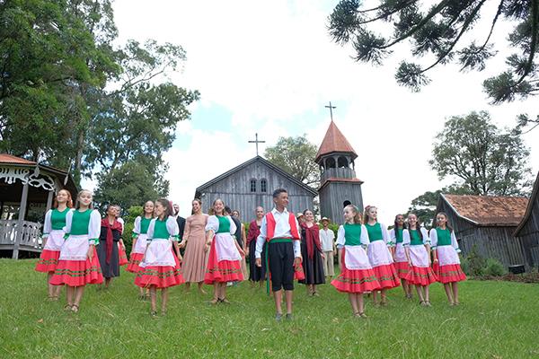 Vídeo com coreografia do desfile temático da Festa da Uva 2019 é gravado no parque