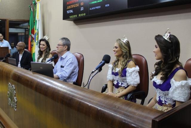 Soberanas convidam prefeito e vereadores caxienses   para abertura da Festa da Uva 2019