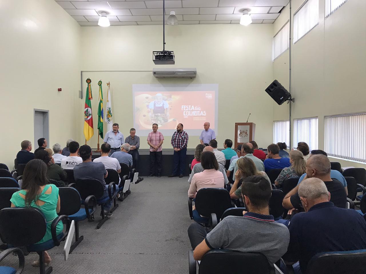Comissão Comunitária da Festa da Uva e Subprefeitos se reúnem para encaminhar detalhes do evento