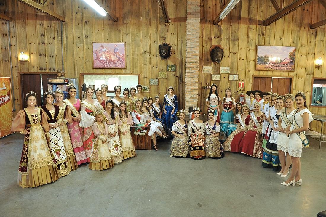 Corte da Festa da Uva 2019 recebe soberanas de 12 municípios gaúchos 88faec35123b